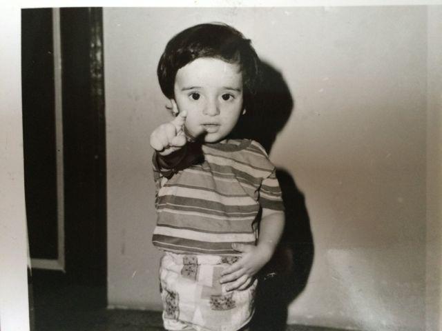 Alireza 1977 als kleiner Junge im Iran